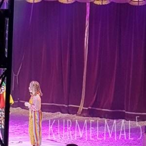 Die Große in Action als Clown, Kurmelmal5
