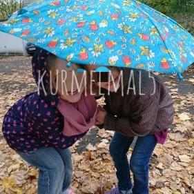 kinder unterm Regenschirm, kurmelmal5