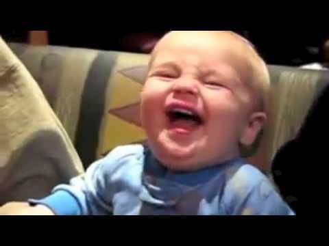 ママすっぱい!赤ちゃんがレモンを食べると?
