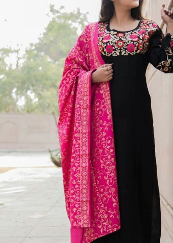 2-piece kurta and dupatta with embroidery and gold print