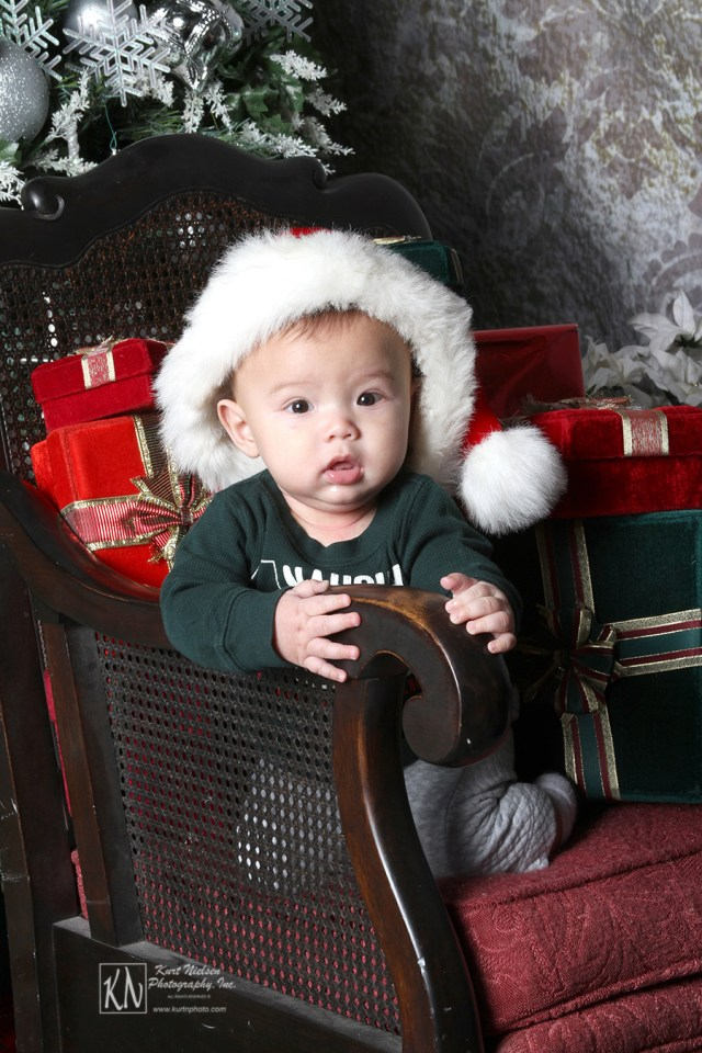 baby studio for Christmas portraits in Sylvania
