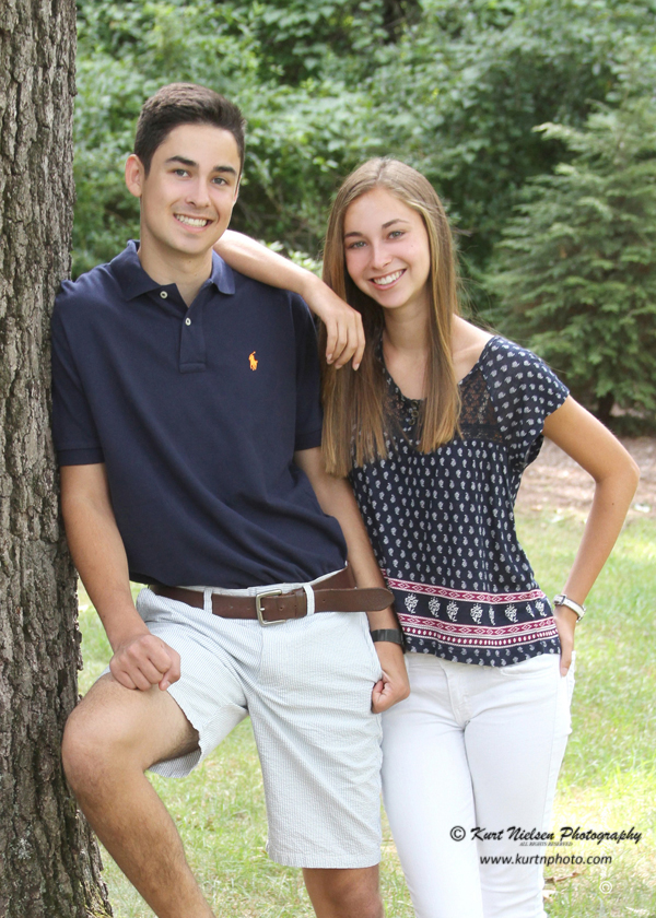senior portraits with your sister