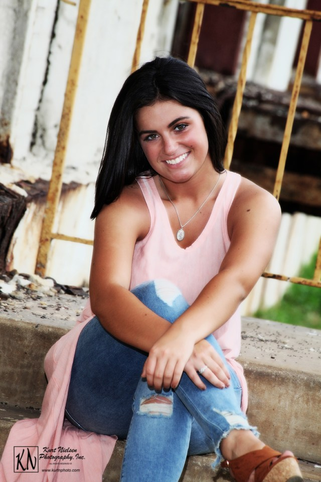 bedford high school senior pictures by Kurt Nielsen Photography