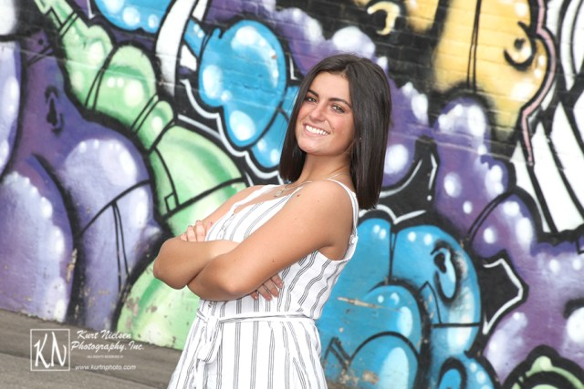 senior pictures graffiti wall