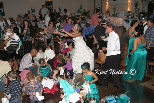 Activies for kids at wedding reception