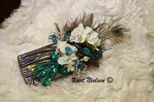 Decorate the Bride's Purse