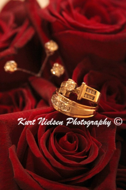 yellow gold wedding jewelry