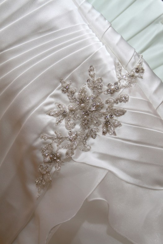 details of the wedding dress