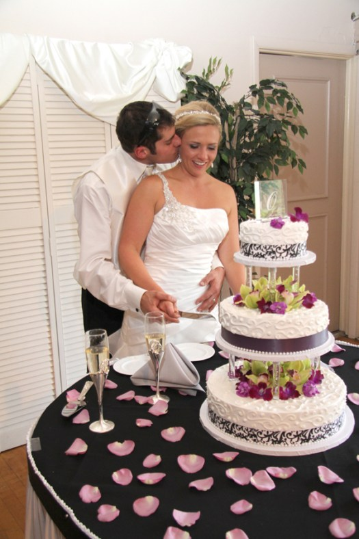 Wedding Cake by Eston's