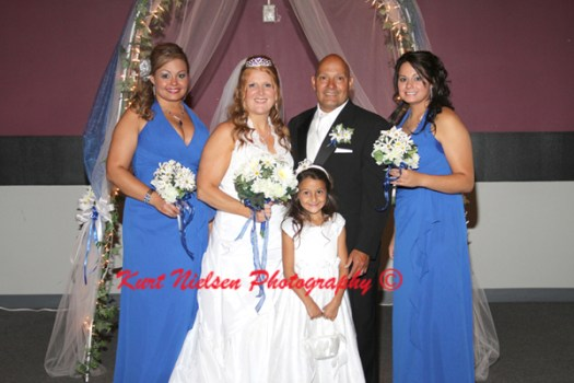 posed wedding pictures