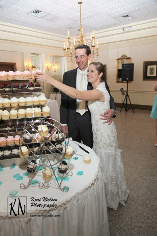 cupcakes instead of wedding cake