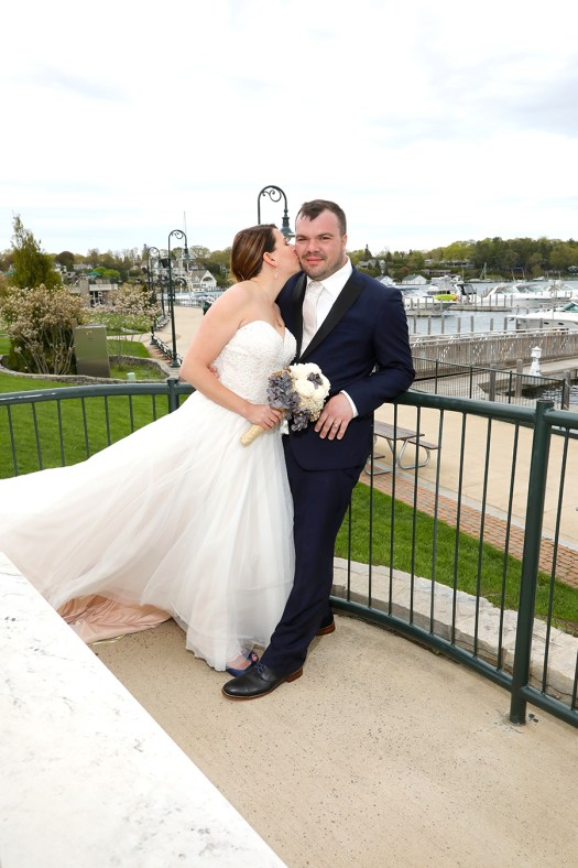 windy wedding photos