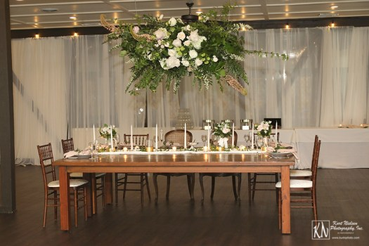 how to decorate the head table for a luxury wedding