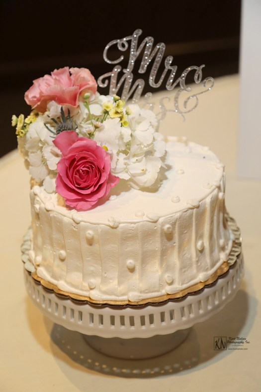 single layer wedding cake