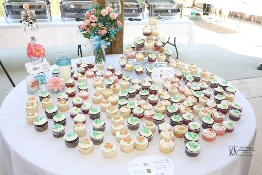 multiple flavor cupcakes