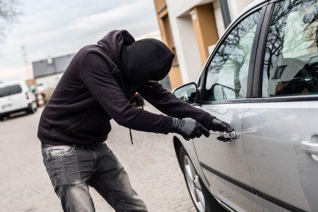 pencurian mobil