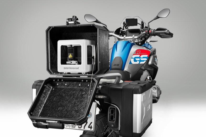P90298480_highRes_bmw-motorrad-iparts-