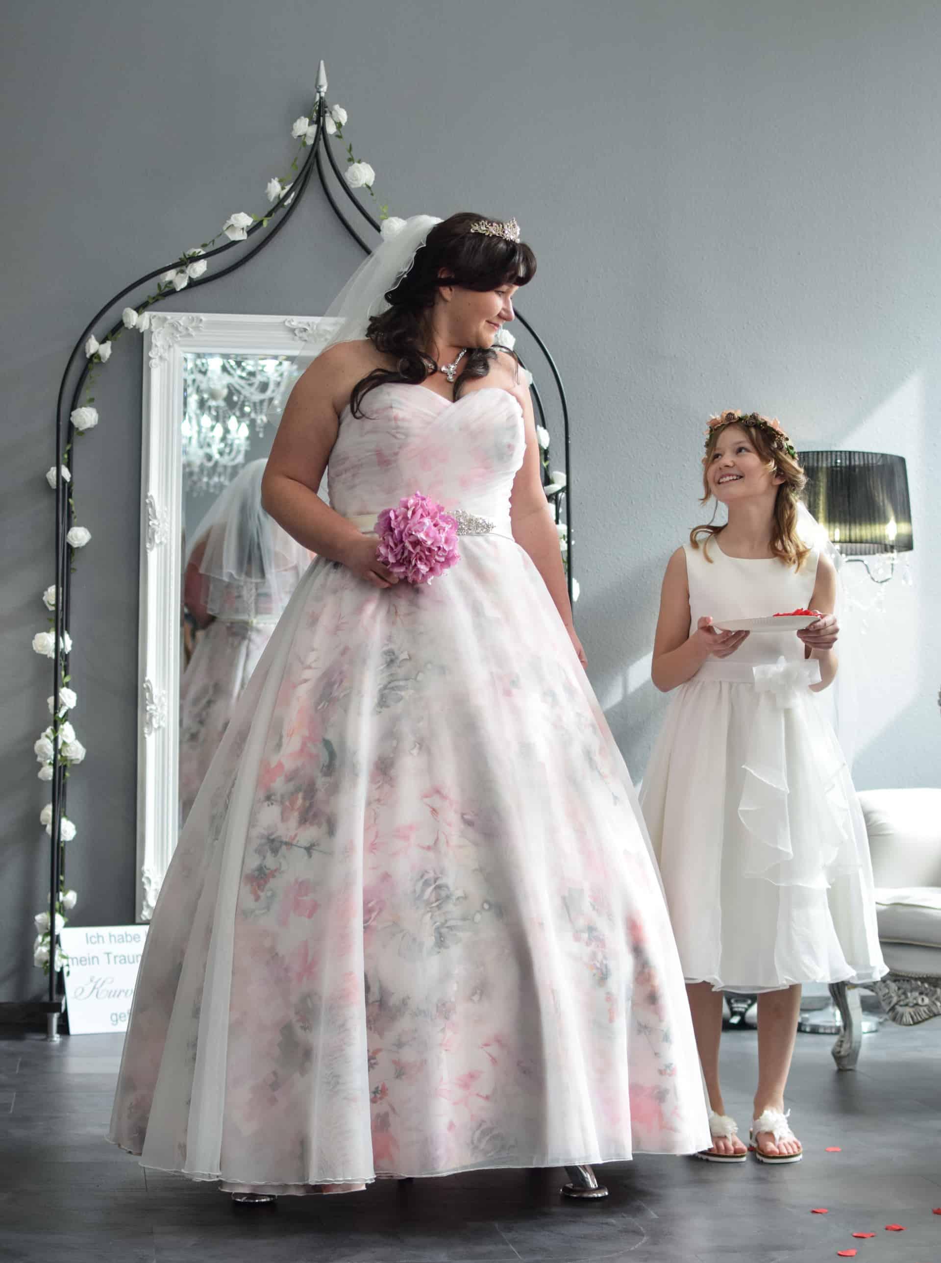 Brautkleider große Größen von 19 bis 19  kurvenschön.com