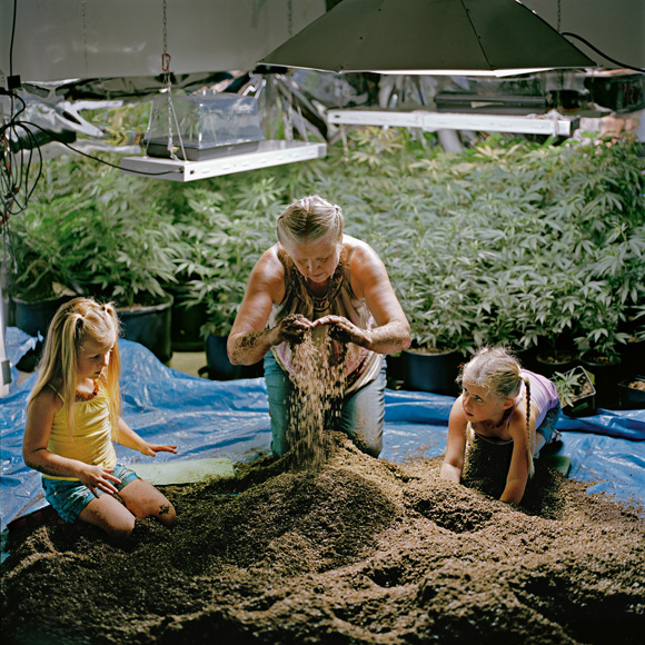 13-washington-grower-prepares-soil-580v