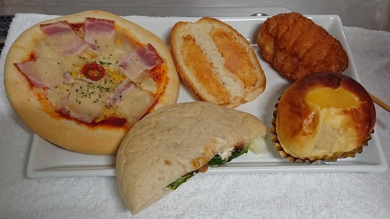 パン工房ブロート・バッハで購入したパン