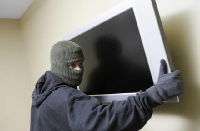 جلد لص بتهمة سرقة أجهزة كهربائية
