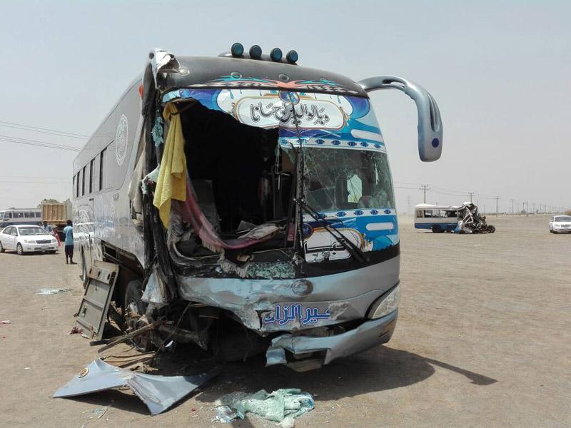 مصرع رجل وامرأة وإصابة (11) شخصاً في حادث بص متوجه إلى القاهرة