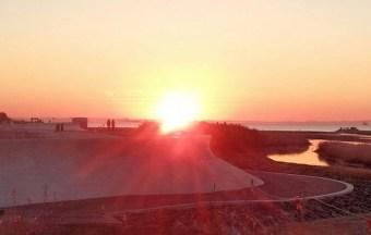 鈴鹿川派川河口からの日の出