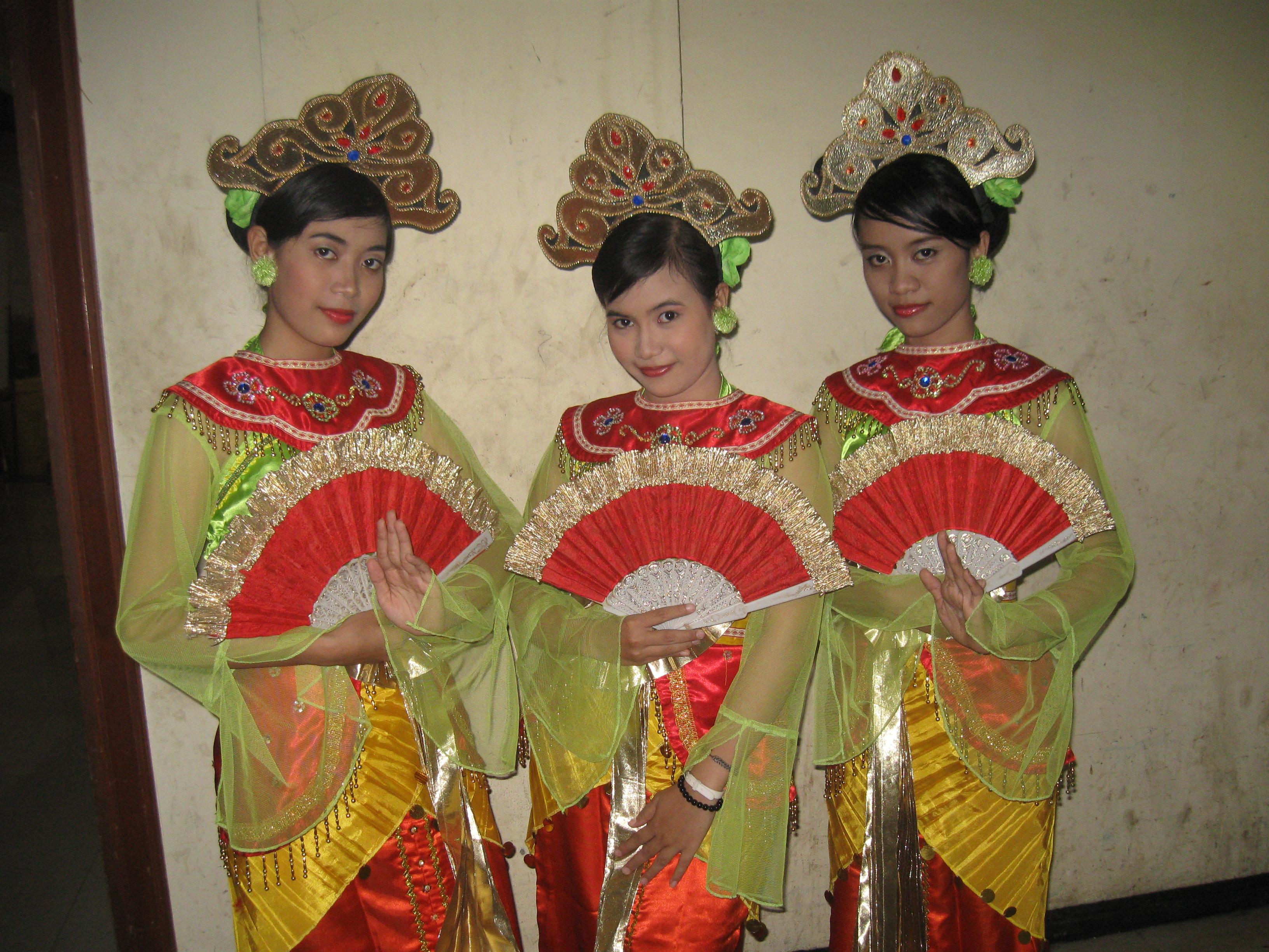 Trio Tari