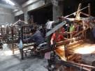 Proses penenunan dengan menggunakan alat tenun bukan mesin (atbm) rata-rata dilakukan oleh penenun berusia di atas 55 tahun karena memang nol regenerasi.