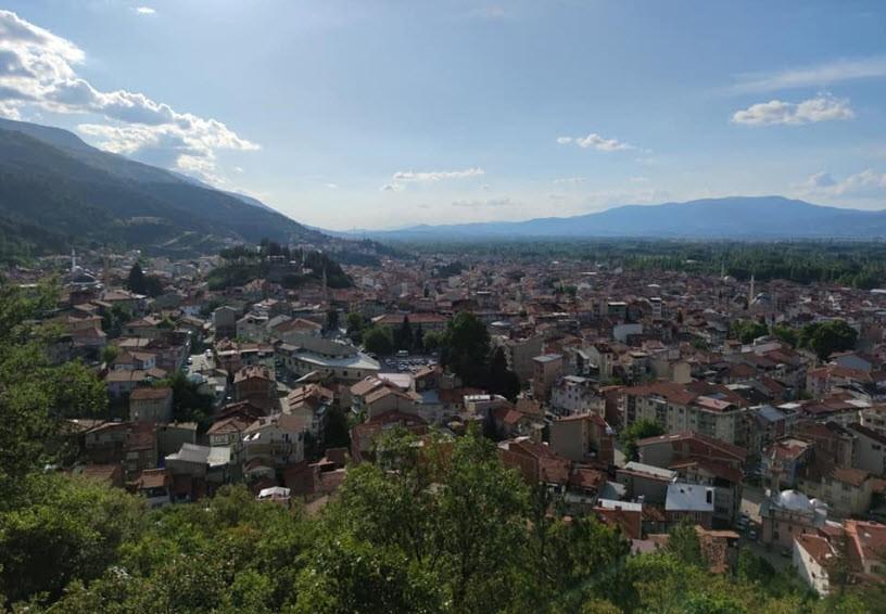 Simav'da 6 ev karantinaya alındı