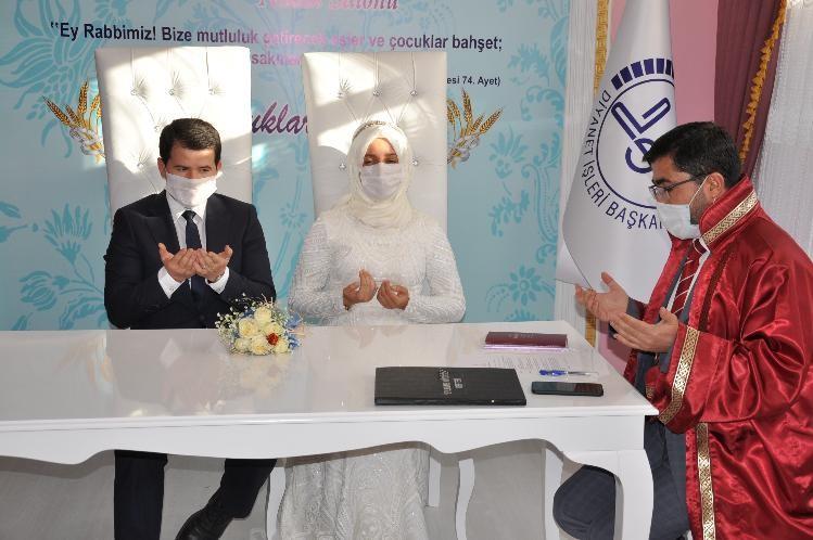 Müftülükte resmi ve dini nikah bir arada