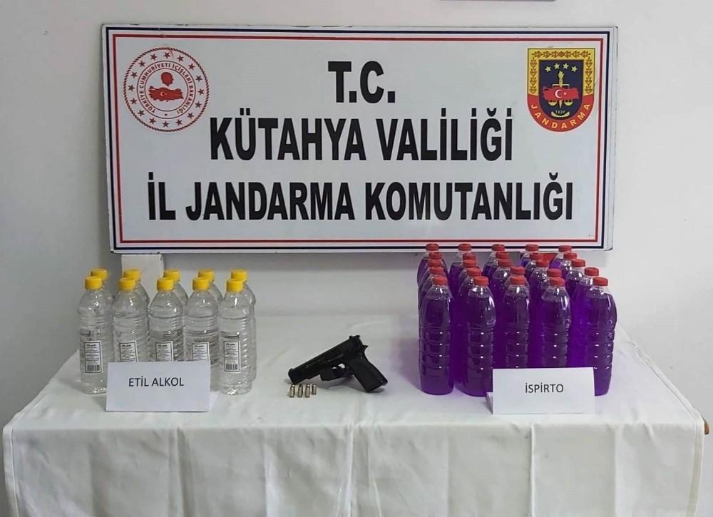 Sahte içki yapımında kullanılan 10 litre etil alkol ele geçirildi