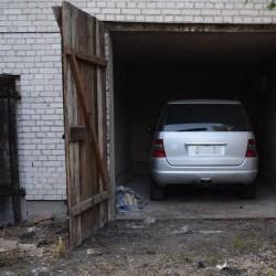 Kryminalni z kutnowskiej komendy odzyskali samochód - mercedesa ML skradzionego w Ozorkowie w czerwcu 2016 roku. Do sprawy mundurowi zatrzymali mężczyznę, który usłyszał zarzut paserstwa.
