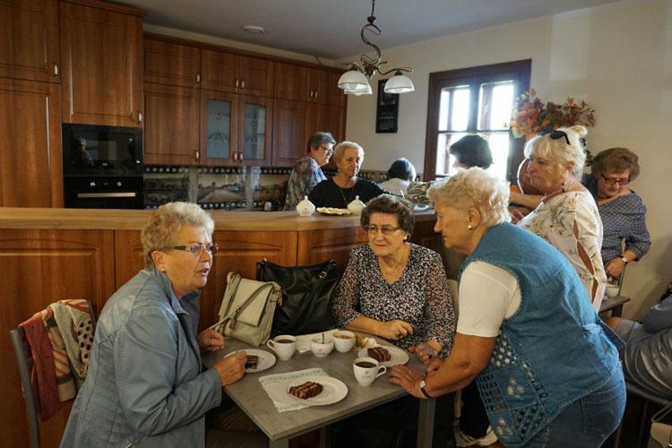 Kulturalny Dworek: kawiarenka dla seniorów już otwarta