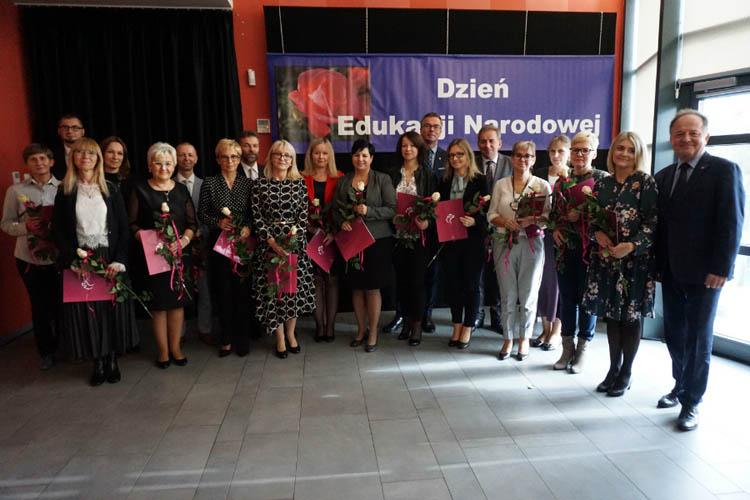 Nagrodzono nauczycieli z okazji Dnia Edukacji Narodowej