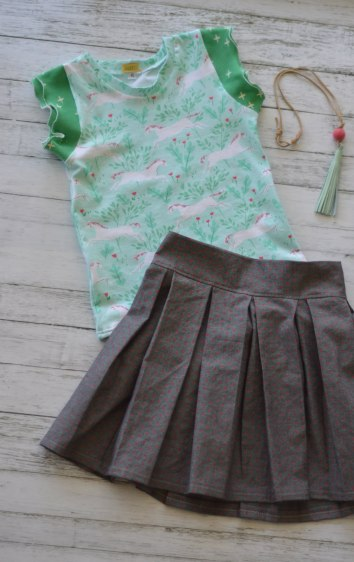 Unicorn Sappir and Box Pleat Skirt