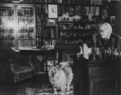 1935 Sigmund Freud és kutyája, Jofi