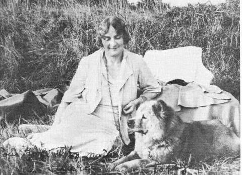 1938 Maria Bonaparte és kutyája, Topsy