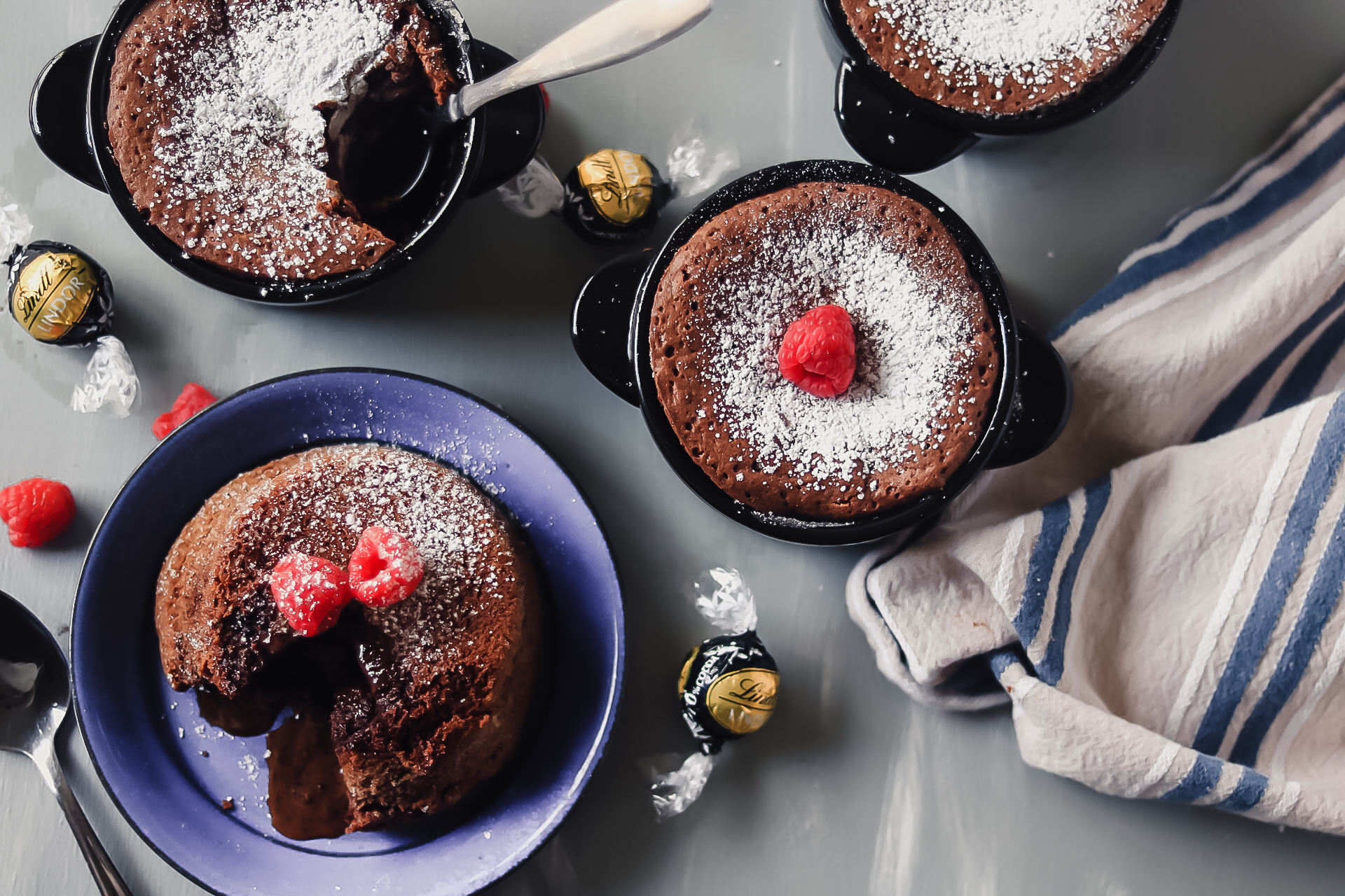 Molten Lava Cakes With Lindor Truffle Center Ku Uipo Vea