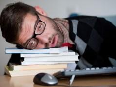 Chronická únava môže prekaziť životné plány. Postavte sa jej čelom!