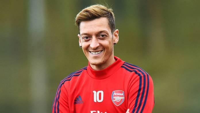Arsenal Midfielder Mesut Ozil (arsenal.com)