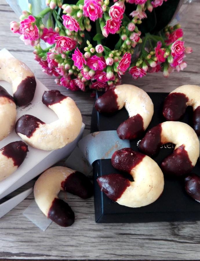 Kiflice sa pireom od jabuka
