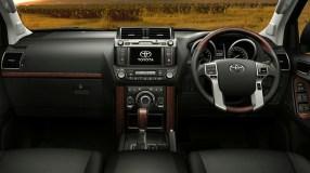 LandCruiser-Prado-interior-highlights