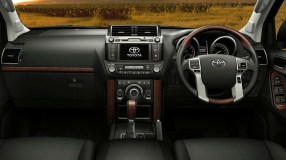 LandCruiser-Prado-interior-highlights