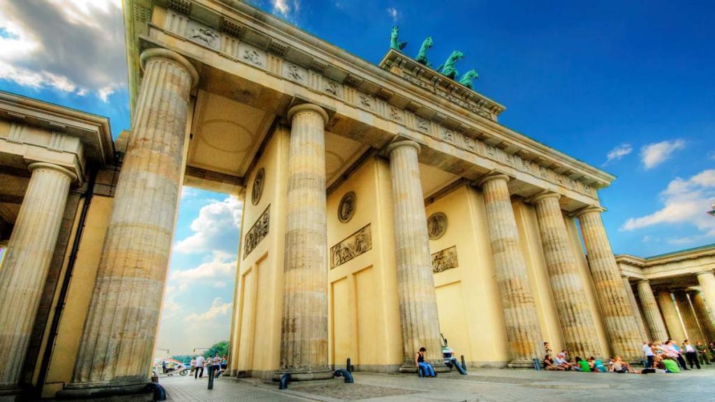 avrupa rüyası berlin brandenburg kapısı