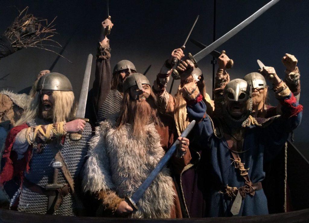 norveç viking tarihi miğferler