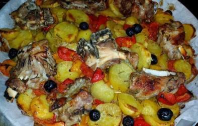 Tavë me patate dhe mish qingji - Silvana Belishaku - KuzhinaIme.al