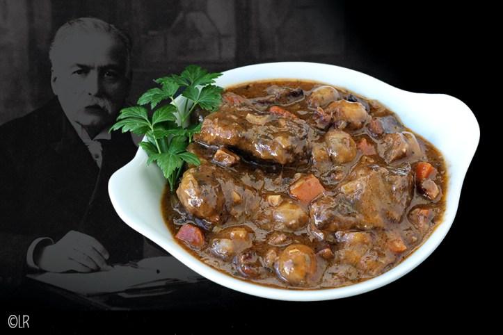 Dit overbekende gerecht van rundvlees gestoofd in rode wijn nu naar een oud recept van Auguste Escoffier.