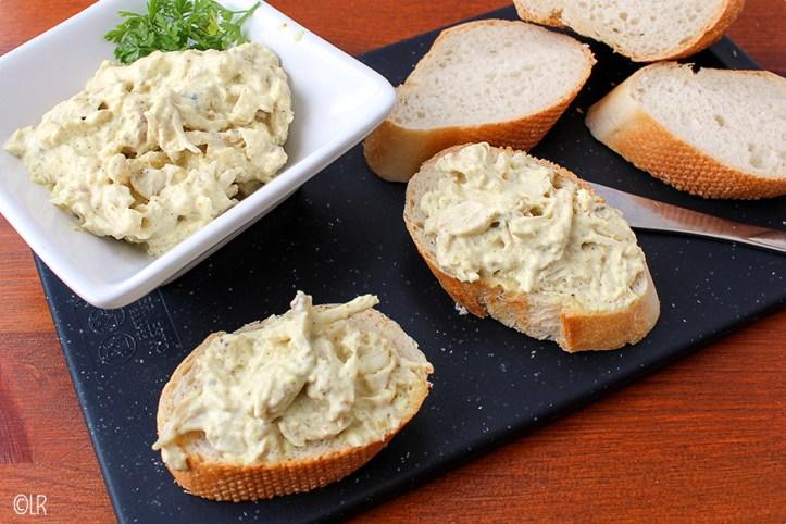 Kip-kerriesalade, lekker op een toastje of op een stukjes stokbrood.