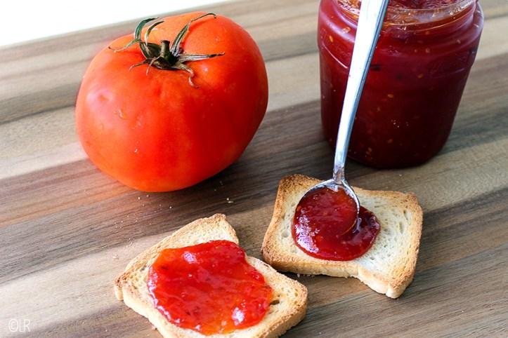 Verrassend anders deze zoete jam van rijpe tomaten.